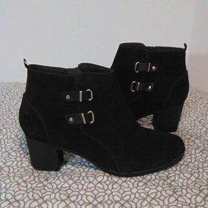 Clarks Black Suede Leather Ankle Booties Size 11